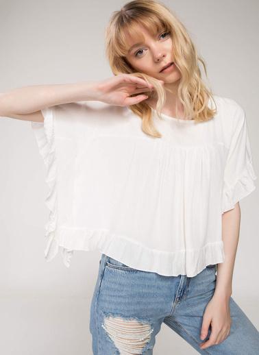 DeFacto Fırfır Detaylı Bluz Beyaz